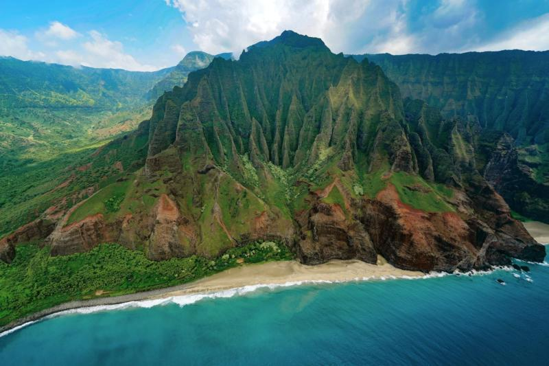 Nā Pali coast on the island of Kauai, Hawaii.
